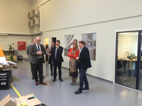 EU-kommiss�r p� visit i Helsinge