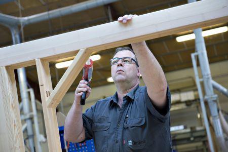 Vinduesfabrikant vil ansætte 40-50 nye medarbejdere