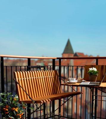 Lancerer møbler specifikt designet til altanen