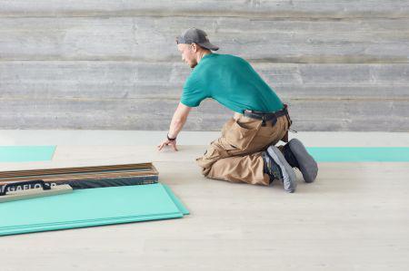 Ny overtrækssko sikrer både håndværkere og gulve