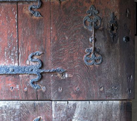 Døren genopfrisket med okseblod