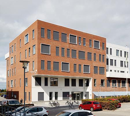 Uddannelseshus i nyt erhvervsområde