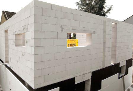 Bæredygtigt byggeri: Fra porebeton til kattegrus