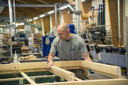 Lancerer 2-lags glas i vinduer med energimærke A