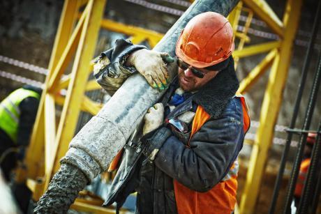 Mangel på arbejdskraft i byggeriet går ikke væk med et trylleslag