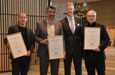Her får holdet bag Blixens prisen Årets Byggeri i kategorien Erhverv