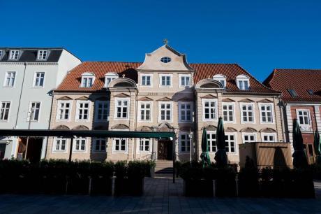 Fredet hotel i Horsens renoveret med skinnesystem
