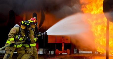 Tårnhøje priser for brandgodkendelse