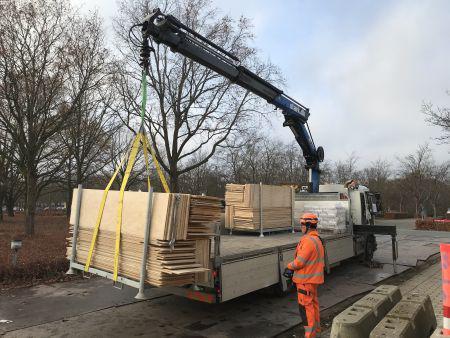 Sender træet til genbrug: Sparer miljøet for mange tons CO2