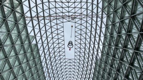 Gigantisk stålkuppel tårner sig op i København