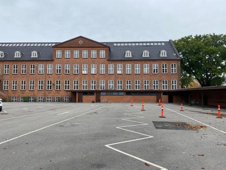 Bevaringsværdig skole i Roskilde får nye beboere